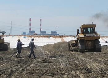 Tăng sử dụng tro, xỉ làm vật liệu xây dựng để giảm ô nhiễm môi trường